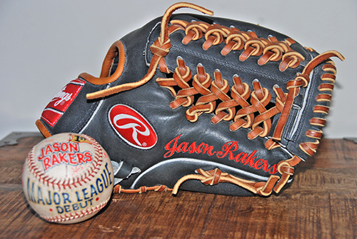 CSC_0246_JR_Glove